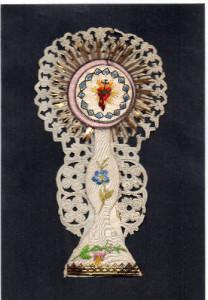 S. CUORE DI GESU' Collage di materiali vari su supporto di carta. Italia, seconda metà XIX secolo.